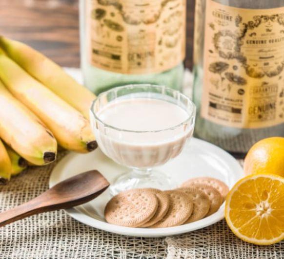 Yogur de platano, naranja y galleta