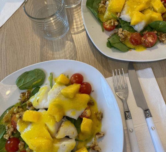 Bacalao con ensalada y vinagreta de mango (al vacio)